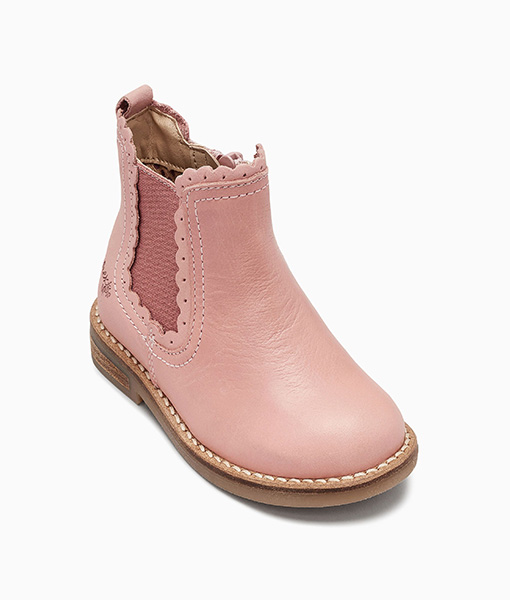 Scallop Chelsea Boots